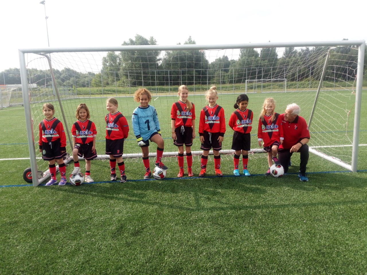 Onderlinge oefenwedstrijd meisjesteam