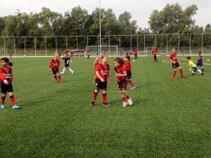 Onderlinge oefenwedstrijd meisjesteam 1